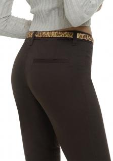 Καφέ παντελόνι άτσεπο σε μεσαίο καβάλο.